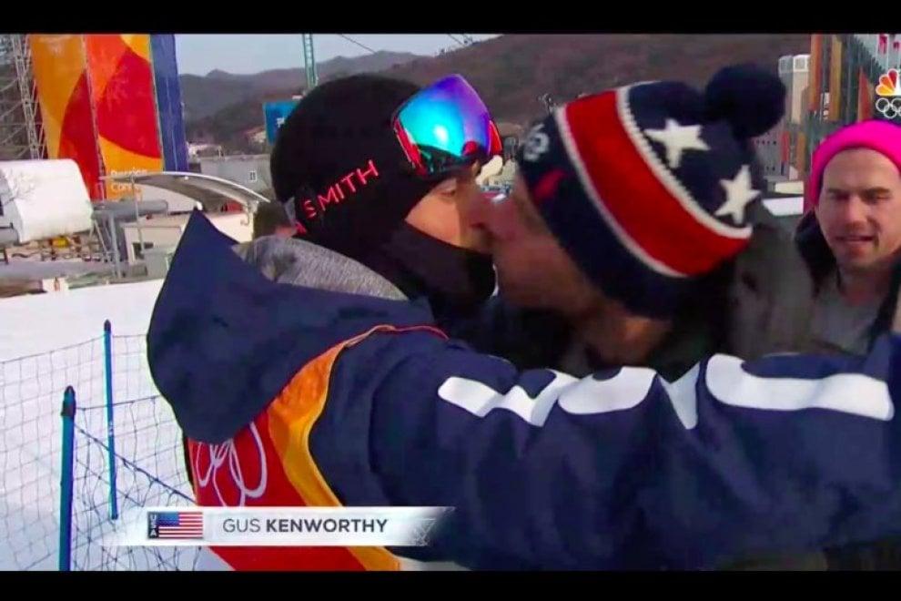 PyeongChang 2018, slopestyle:  Kenworthy bacia il compagno dopo la gara