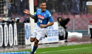 Napoli-Spal 1-0: un gol di Allan per la nona vittoria consecutiva degli azzurri