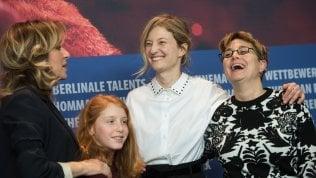Valeria Golino e Alba Rohrwacher madri di una ragazzina contesa