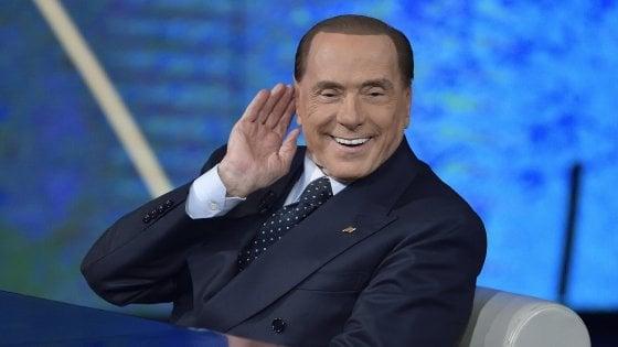 """Elezioni, Berlusconi: """"Il fascismo è morto e sepolto. Il pericolo è l'antifascismo dei centri sociali"""""""