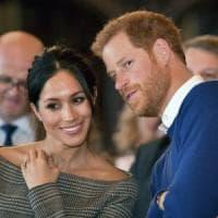 Romantico o moderno? Il mondo della moda britannico s'interroga sull'abito da sposa di...