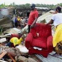 """Mozambico, """"montagna di rifiuti"""" crolla sulle case: almeno 17 morti"""