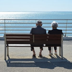Anziani ma attivissimi. Il segreto? È in un neurone