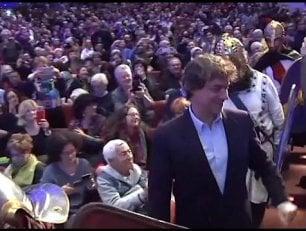 """Folla per Alberto Angela: """"Divulgatore solo perché mi rubarono i fossili"""""""