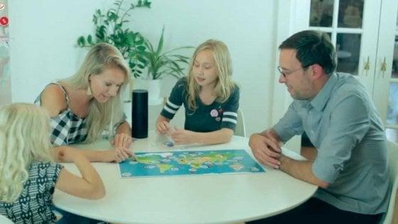 Anche i giochi da tavolo sfruttano le assistenti digitali: ecco 'When in Rome', le domande le fa Alexa