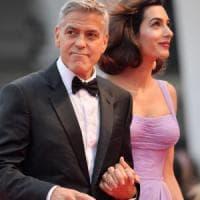 I Clooney donano 500mila dollari alla marcia contro le armi