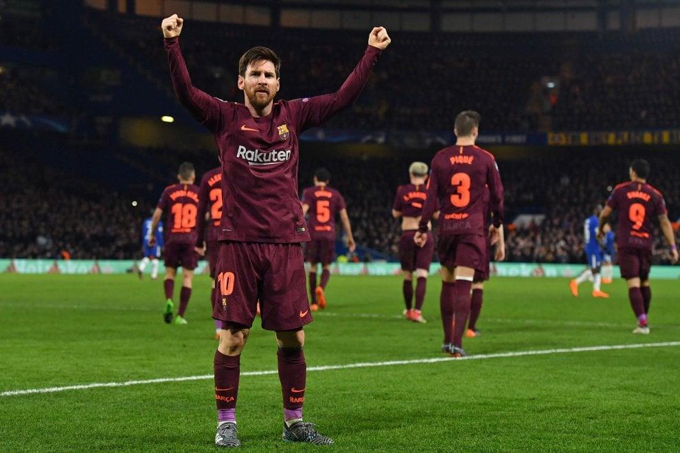 Se Messi giocasse nella Roma? La maglia usata dal Barça a Londra ricorda quella dei giallorossi
