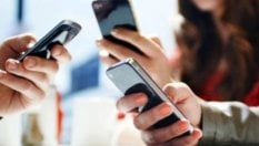 Telefonia, troppi costi nascosti, Altroconsumo denuncia gli operatori