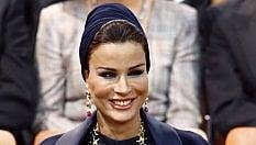 Olbia, una scuola intitolata alla madre dell'emiro. La città insorge e il sindaco silenzia la protesta