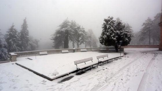 Meteo, arriva il gelo dalla Siberia: neve al Nord, pioggia al Sud
