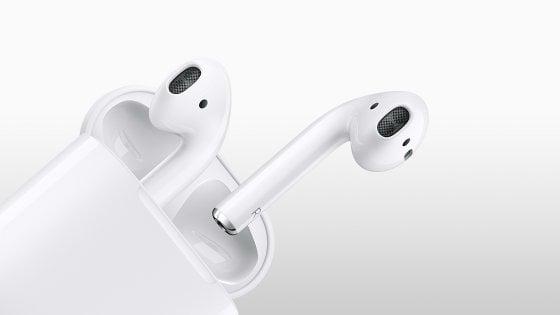 Con AirPods 2, Apple prepara le cuffie wireless ad ascoltare