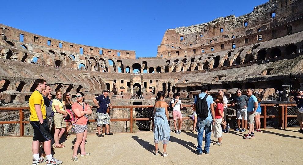 Tour e gite più prenotate: una su due è in Italia