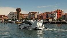 Venezia e la Laguna. Scoprirle con lentezza da una houseboat