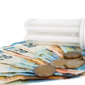 Maxi-bollette della luce: la prescrizione scende da 5 a 2 anni
