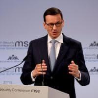 Polonia congela la controversa legge sulla Shoah