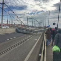 Venezia, crolla palo sul Ponte della Libertà: circolazione riattivata dopo oltre otto ore