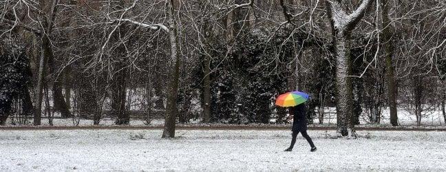 Temperature in picchiata e neve: gelo storico. Domani scuole chiuse a Roma video
