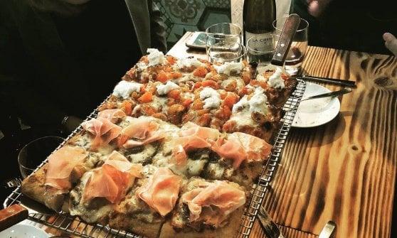 """We love pizza (romana): gli Usa scoprono la teglia e la """"bassa e scrocchiarella"""""""
