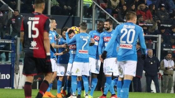 Cagliari-Napoli 0-5, gli azzurri volano a +4 sulla Juve