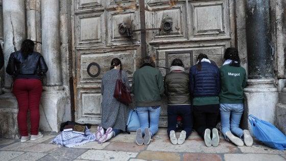 Gerusalemme sospende richiesta tasse, si sblocca trattativa e riapre il Santo Sepolcro