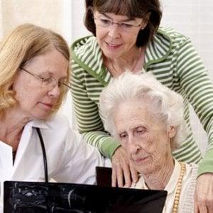Tumori, oltre il 40% dei pazienti non parla al medico dei disturbi quotidiani