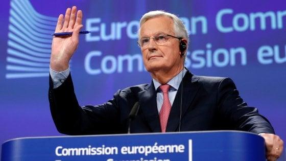 Brexit, il grande giorno: Ue presenta bozza di accordo