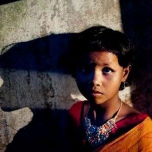 Infanzia violentata, in Italia il numero di abusi su bambini e minori non è mai stato così alto da un decennio