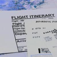 Più puntuali ma più lenti. Il mistero del servizio aereo nel mondo