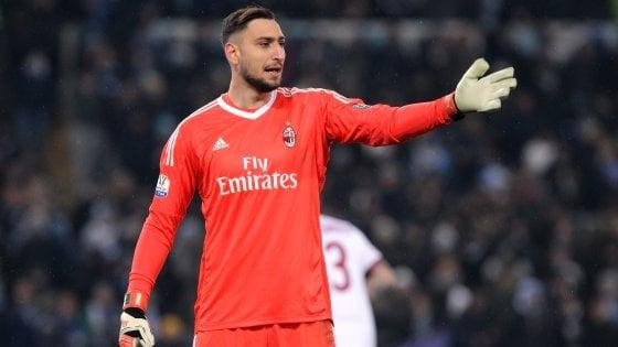 "Milan, Raiola: ""Fossi in Donnarumma me ne andrei, quattro big italiane su Balotelli"""