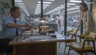 """Spielberg, la stampa e la politica. Charlize Theron: """"Un grande film"""""""