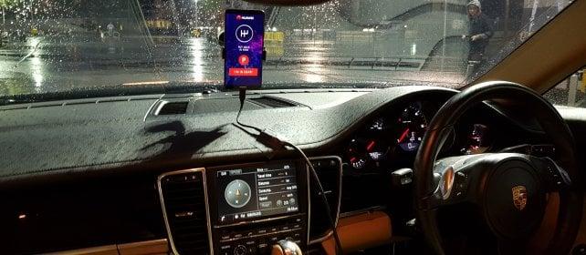 L'intelligenza artificiale al volante:  ecco come guida lo smartphone