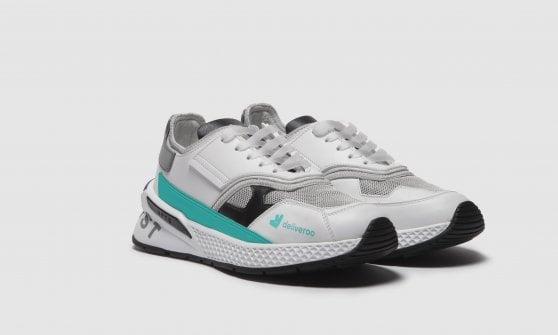 Deliveroo, nascono le sneaker dedicate ai suoi rider
