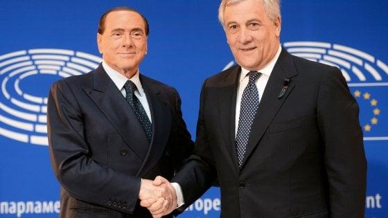 """Berlusconi punta tutto su Tajani.  Ma Salvini insiste: """"Io pronto a fare il premier"""""""