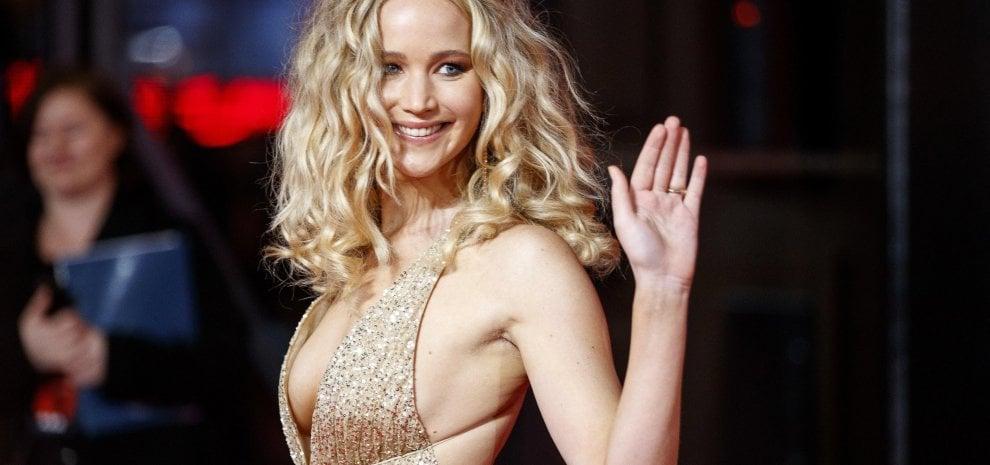 Jodie Foster e Jennifer Lawrence consegneranno il premio alla migliore attrice al posto di Casey Affleck
