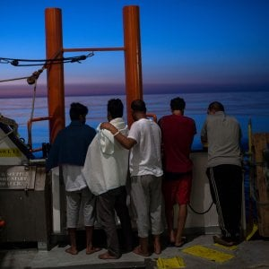 Migranti, sopravvissuti parlano di un naufragio al largo della Libia