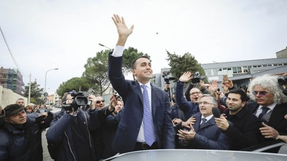 """M5s, Di Maio esulta: """"Noi vincitori assoluti, pronti al confronto con tutte le forze politiche"""""""