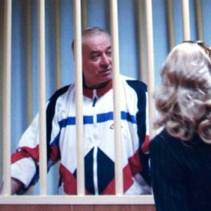 """Gran Bretagna, ex spia russa in ospedale: esposto a """"sostanza sconosciuta"""""""
