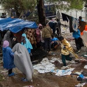 Grecia, tredicimila richiedenti asilo ancora intrappolati nelle isole