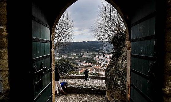 """Ex conventi e castelli diventano hotel di lusso. Così il Portogallo lancia il turismo """"off season"""""""