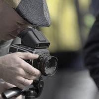 Addio fotocamera, in viaggio solo smartphone. Ma a sorpresa, solo tra gli