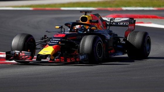 F1, test Barcellona: Ricciardo precede Hamilton e Vettel, la febbre frena Raikkonen