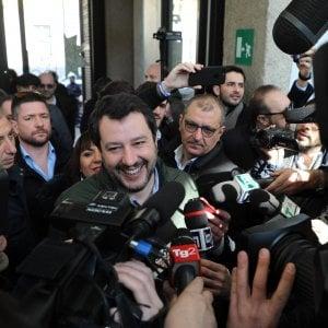 """Salvini apre al Pd: """"Spero disponibili a una via d'uscita per il Paese. Governo politico o voto"""". La replica dem: """"Noi all'opposizione"""