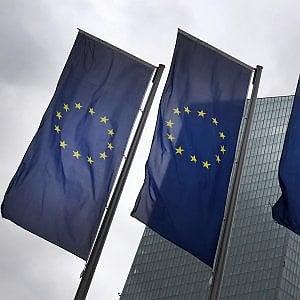 Banche, l'Europa concede due anni per coprirsi contro i crediti a rischio