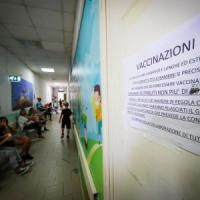 Vaccini, i presidi: