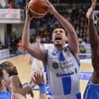 Basket, ritorno amaro per Sacchetti a Sassari: Cremona va ko