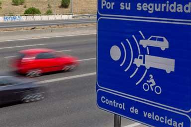 """Con il """"Velolaser"""" scatta la caccia agli eccessi di velocità in Spagna"""