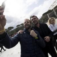 Coni, lungo la Walk of Fame aggiunte le targhe di Maldini e Rosolino