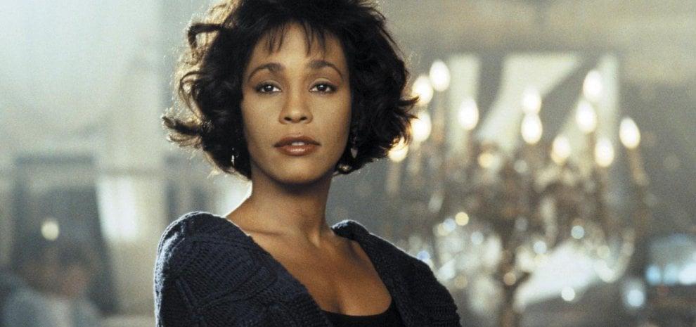 """Whitney Houston, un premio Oscar per il biopic: """"Un racconto definitivo sulla sua vita"""""""