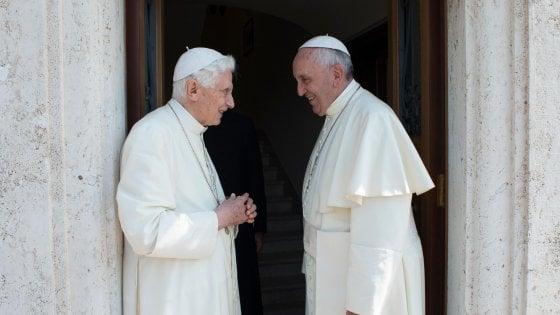 """Benedetto XVI, lettera in difesa di Francesco: """"Basta stolto pregiudizio contro di lui"""""""
