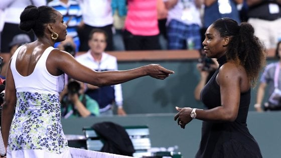 Tennis, Indian Wells: Venus Williams batte la sorella Serena. Federer agli ottavi